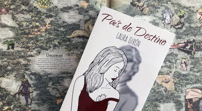País de destino es la segunda parte de la Bilogía Viájame de Laura Girón, publicada por editorial Sargantana. El primer libro es País de paso.
