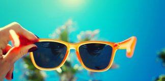 color de las gafas del sol