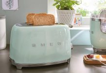 El color mint. Tostador Smeg