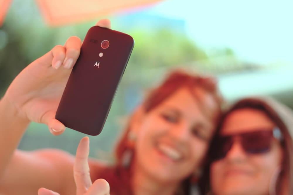 Chicas haciéndose un selfie