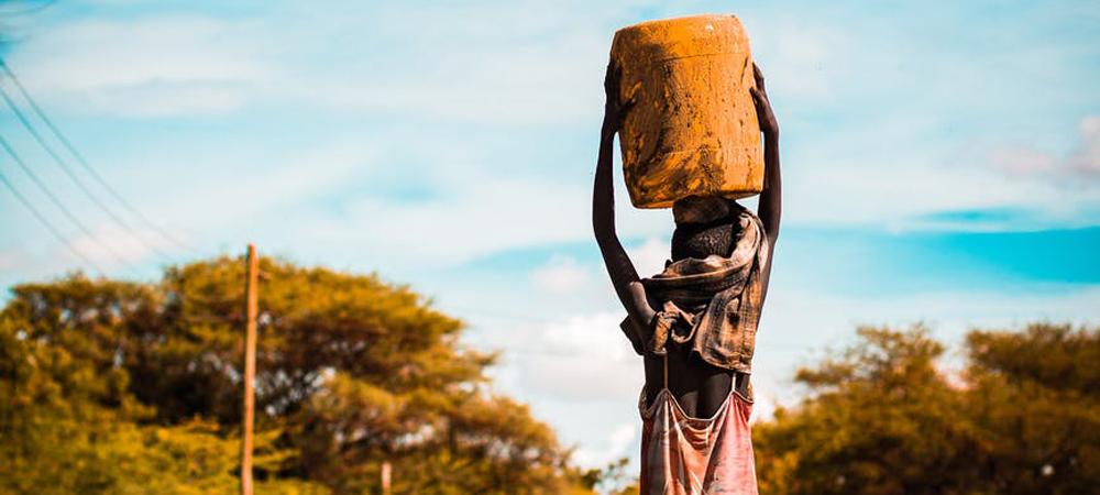 planchar el pecho en Camerún