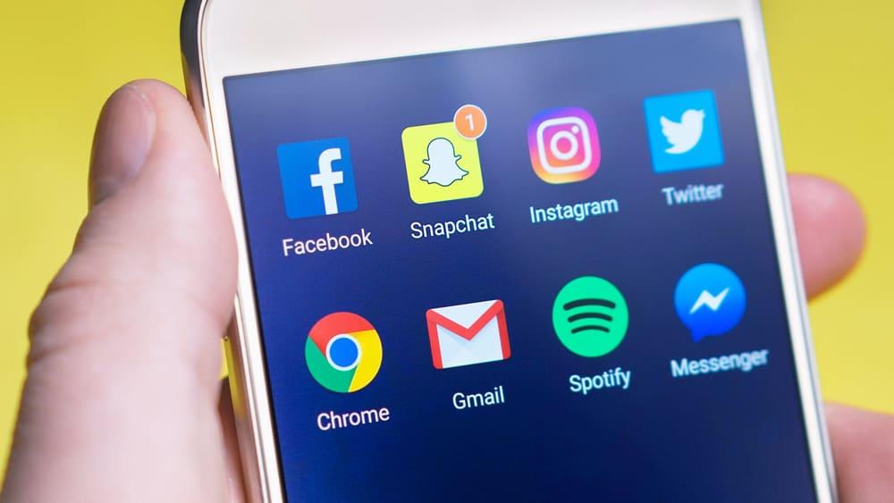Aplicaciones redes sociales en móvil